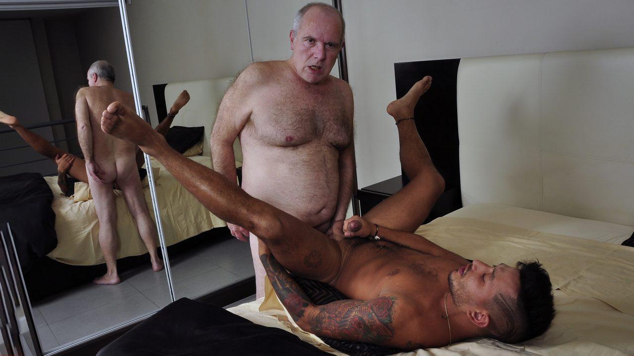 Photo of Daddy Carlos Trading Fucks